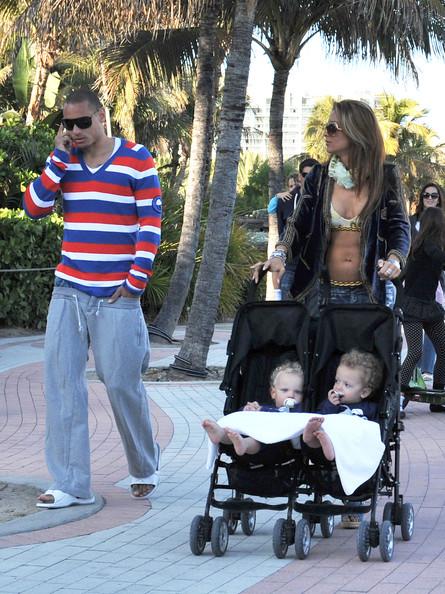 Sarah+Gerth+Jermaine+Jones+Family+Out+Walk+U1te9q3NdXTl