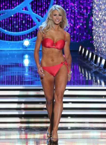 tvs_hottest_female_sportscasters_640_29